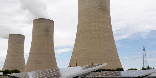Ett av Eskoms åldrade kolkraftverk. Denis Farrell / TT NYHETSBYRÅN