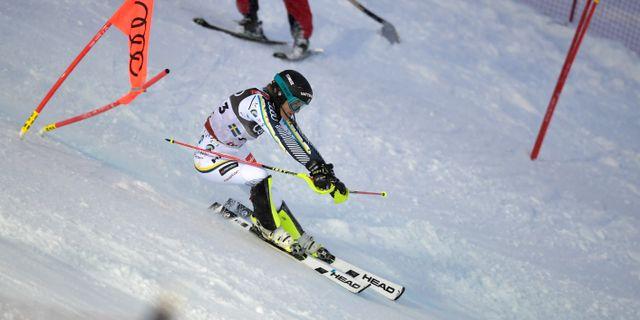 Sveriges Anna Swenn-Larsson mot Kanada i heat 7 under tisdagens lagtävling vid alpina VM i Åre 2019. Pontus Lundahl/TT / TT NYHETSBYRÅN