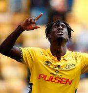 Elfsborgs Marokhy Ndione jublar efter 2-0-målet. Thomas Johansson / TT / TT NYHETSBYRÅN