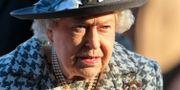 Drottning Elizabeth vid en gudstjänst idag. LINDSEY PARNABY / AFP