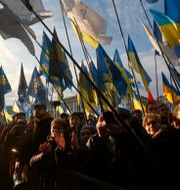 Demonstrationer i Kiev, Ukraina, inför mötet mellan toppmötet.  Efrem Lukatsky / TT NYHETSBYRÅN