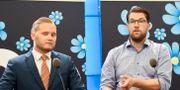 Sverigedemokraternas Henrik Vinge och Jimmie Åkesson. Hanna Franzén/TT / TT NYHETSBYRÅN