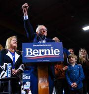 Bernie Sanders i Vermont, tillsammans med sin fru Jane O'Meara Sanders Matt Rourke / TT NYHETSBYRÅN