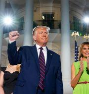 Donald Trump tillsammans med Melania Trump och Barron Trump vid Republikanernas kongress. Evan Vucci / TT NYHETSBYRÅN