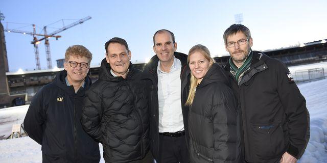 Per Palmström, vice ordförande SOK, Peter Reinebo, verksamhetschef SOK, OS-kampanjchefen Richard Brisius, OS-ambassadören Jessica Lindell Vikarby och Johan Strid, från Svenska Paralymiska Kommittén. Naina Helén Jåma/TT / TT NYHETSBYRÅN