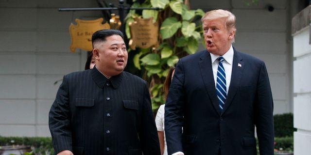 Trump och Kim i Hanoi. Evan Vucci / TT NYHETSBYRÅN