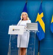 Lena Hallengren och Anders Tegnell.  Naina Helén Jåma/TT / TT NYHETSBYRÅN