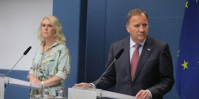Socialminister Lena Hallengren och statsminister Stefan Löfven Sören Andersson/TT / TT NYHETSBYRÅN
