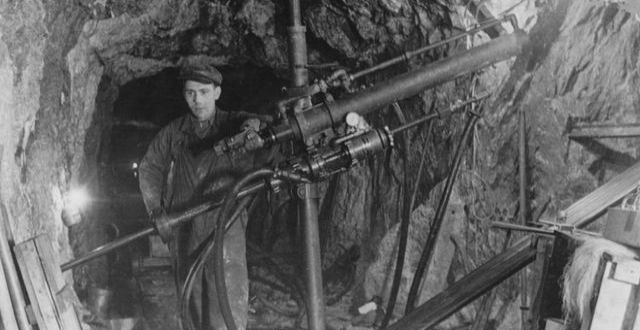 Borrning tidigt i Bolidens historia 1936. Bild från Boliden. Bild från Boliden.