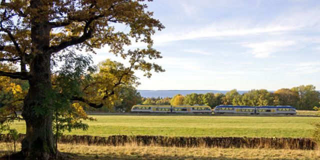 Tågsträckan mellan Lidköping och Mariestad är Sveriges vackraste, enligt en ny undersökning. Pressbild SJ