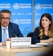 WHO-chefen Tedros Adhanom Ghebreyesus och WHO:s epidemiolog Maria Van Kerkhove. FABRICE COFFRINI / TT NYHETSBYRÅN
