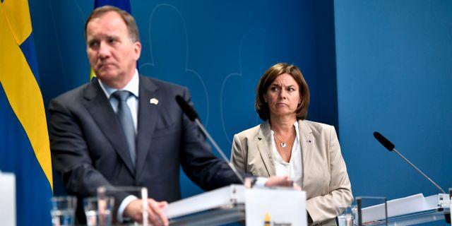 Stefan Löfven (S) / Isabella Lövin (MP) ALI LORESTANI/TT / TT NYHETSBYRÅN