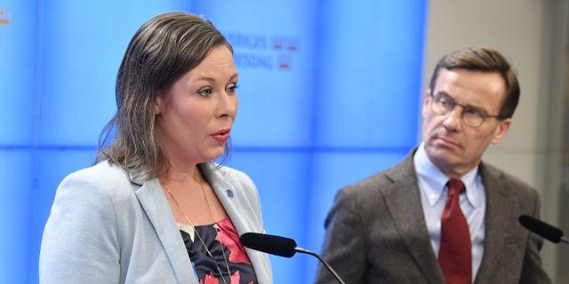 Moderaternas migrationspolitiska talesperson Maria Malmer Stenergard och partiledare partiledare Ulf Kristersson.  Jessica Gow/TT / TT NYHETSBYRÅN