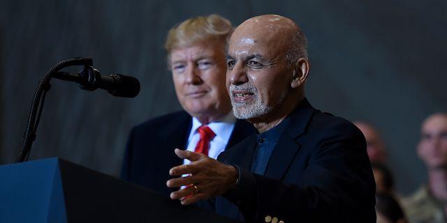 USA:s president Donald Trump och Afghanistans president  Ashraf Ghani. OLIVIER DOULIERY / AFP