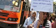 En kvinna deltar i protesterna 2012  Aijaz Rahi / TT NYHETSBYRÅN/ NTB Scanpix