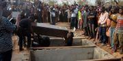 Arkivbild: Offer för en attack som skylls på boskapsskötare begravs i staden Makurdi.  AP / TT / NTB Scanpix