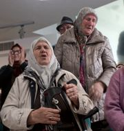 Gråtande släktingar när domen föll. Marko Drobnjakovic / TT NYHETSBYRÅN/ NTB Scanpix