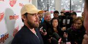 Henrik Zetterberg möter journalister efter beskedet om att han lägger av David Guralnick / TT NYHETSBYRÅN/ NTB Scanpix