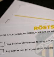 Göteborg FC och röstsedlar från BK Häckens årsmöte. TT