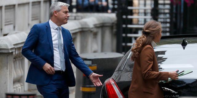 Stephen Barclay lämnar sitt kontor i veckan. Frank Augstein / TT NYHETSBYRÅN