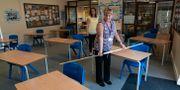 Läraren Jane Cooper i Poynton ska se till att eleverna håller avstånd när de återvänder till skolan/Arkivbild. Jon Super / TT NYHETSBYRÅN