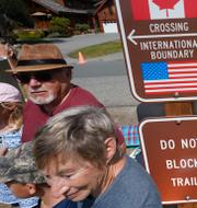Amerikanska invånare som separerats från anhöriga i Kanada på grund av resestoppet under pandemin. Kanada har sedan tidigare öppnat upp för icke-nödvändiga resor. TT