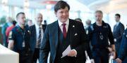 Riksdagens talman Andreas Norlén på väg till en pressträff i riksdagens presscenter efter statsministeromröstningen. Janerik Henriksson/TT / TT NYHETSBYRÅN
