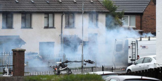 Det misstänkta fordonet i Londonderry efter detonationen.  CLODAGH KILCOYNE / TT NYHETSBYRÅN