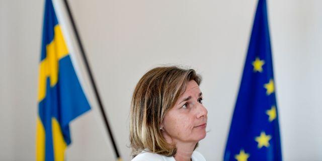 Isabella Lövin (MP) under dagens presskonferens om den nya vapenexportlagen. Janerik Henriksson/TT / TT NYHETSBYRÅN