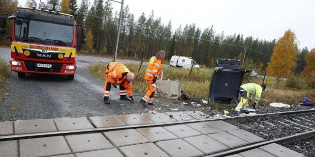 Räddningstjänsten vid olycksplatsen. Pär Bäckström/TT / TT NYHETSBYRÅN