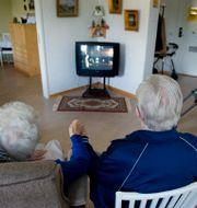 Ett par på ett äldreboende. JESSICA GOW / TT / TT NYHETSBYRÅN
