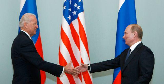 Joe Biden och Vladimir Putin/Arkivbild Alexander Zemlianichenko / TT NYHETSBYRÅN