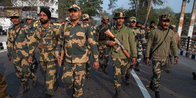Indiska paramilitära styrkor. Anupam Nath / TT NYHETSBYRÅN