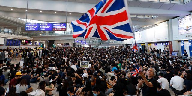 Arkivbild: Demonstranter ockuperade Hongkongs internationella flygplats under ett antal dagar i augusti 2019.  Vincent Thian / TT NYHETSBYRÅN
