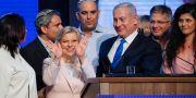 Benjamin Netanyahu med hustrun Sara Netanyahu. Ammar Awad / TT NYHETSBYRÅN