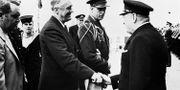 Franklin D Roosevelt och Winston Churchill vid Placentia Bay 1941.  TT NYHETSBYRÅN