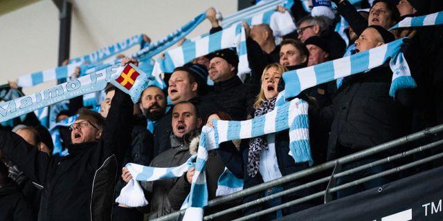Malmö-fansen under mötet i Malmö.  LUDVIG THUNMAN / BILDBYR N