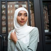 Ameena Ahmed poses for a photo near her home on Tuesday, July 27, 2021, in the Brooklyn borough of New York. After her work as a substitute teacher in New York City dried up, Ameena Ahmed got a welcome $4,200 boost last summer in federal pandemic-related unemployment benefits. Eduardo Munoz Alvarez / TT NYHETSBYRÅN