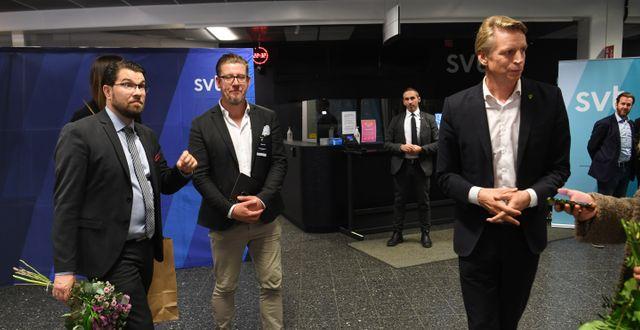 Åkesson och Bolund efter debatten.  Fredrik Sandberg/TT / TT NYHETSBYRÅN