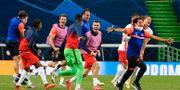 Leipzig-spelarna jublar efter slutsignalen Lluis Gene / TT NYHETSBYRÅN