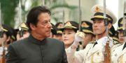 Imran Khan under ett statsbesök i Kina.  Mark Schiefelbein / TT NYHETSBYRÅN/ NTB Scanpix