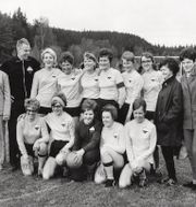 Ebba Andersson med kaptensbindeln på den övre raden.  Prb / TT / TT NYHETSBYRÅN
