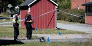 Polis efter dödskjutningen i Vivalla i tisdags PAVEL KOUBEK/TT / TT NYHETSBYRÅN