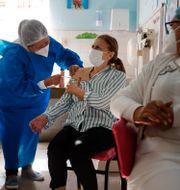 Illustrationsbild från vaccination i Paraguay.  Jorge Saenz / TT NYHETSBYRÅN