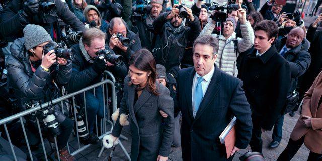 Michael Cohen tillsammans med dottern Samantha i samband med domen mot honom i december. Craig Ruttle / TT NYHETSBYRÅN