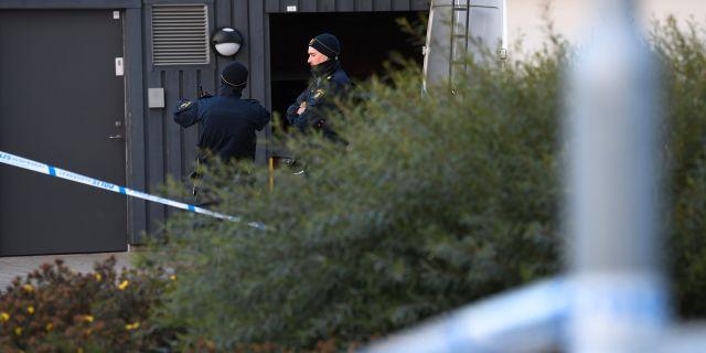 Polis på plats vid mordplatsen tidigare i oktober. Johan Nilsson/TT / TT NYHETSBYRÅN
