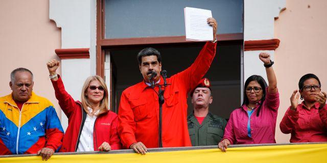 Maduro vid dagens tal.  Ariana Cubillos / TT NYHETSBYRÅN