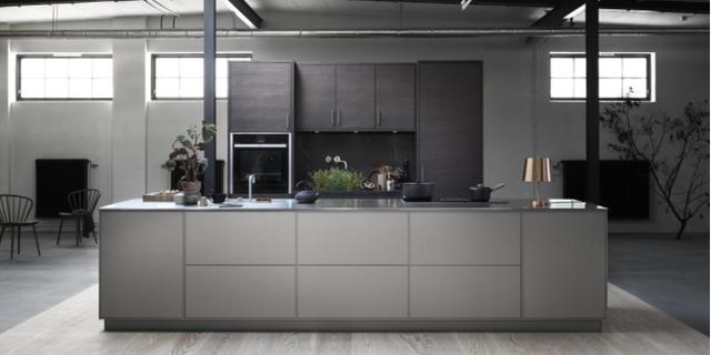 Nya System 10 är ett tillbehörskoncept för att skapa kök med möbelkänsla. Foto: Ballingslöv