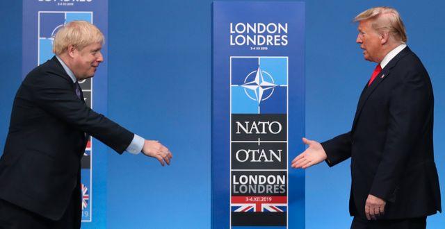 Arkivbild. Donald Trump och Boris Johnson möttes under Natotoppmötet i London tidigare i december.  Francisco Seco / TT NYHETSBYRÅN