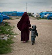 IS-kvinna i norra Syrien/Illustrationsbild Maya Alleruzzo / TT NYHETSBYRÅN
